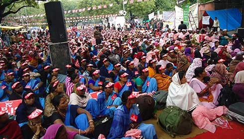 Anganwadi workers call for country wide protest demonstrations against budget allocation